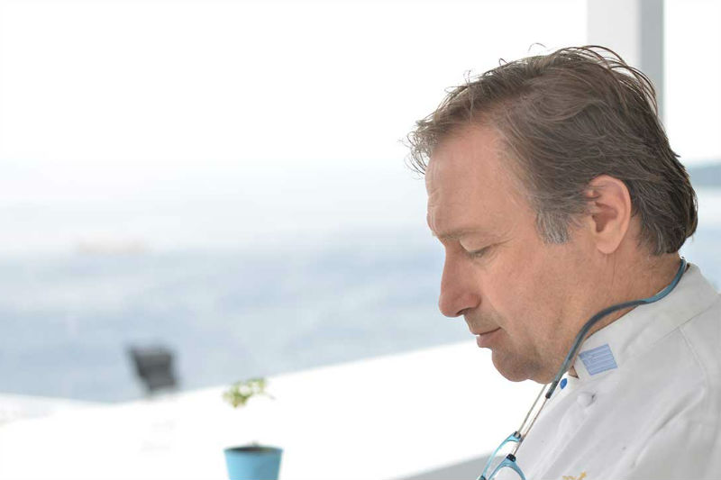 Ο σεφ Γιάννης Μπαξεβάνης